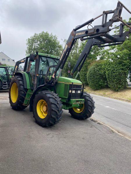 трактор колісний JOHN DEERE 6600